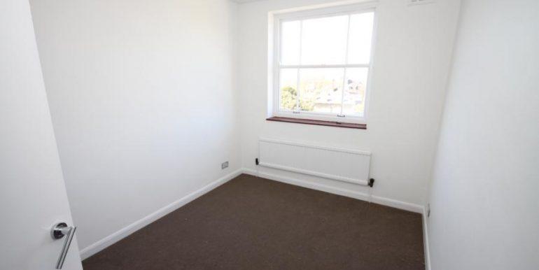 18 Heathfield House, SE3 006 (900x600)
