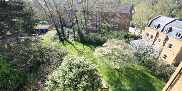 18 Heathfield House, SE3 017 (900x600)