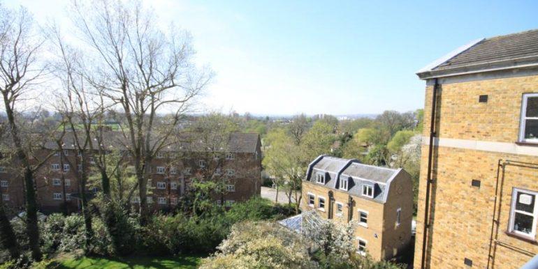 18 Heathfield House, SE3 018 (900x600)