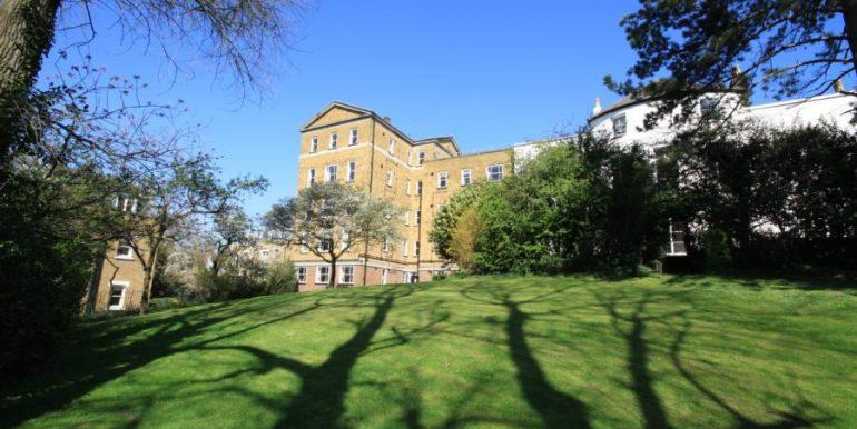 18 Heathfield House, SE3 019 (900x600)