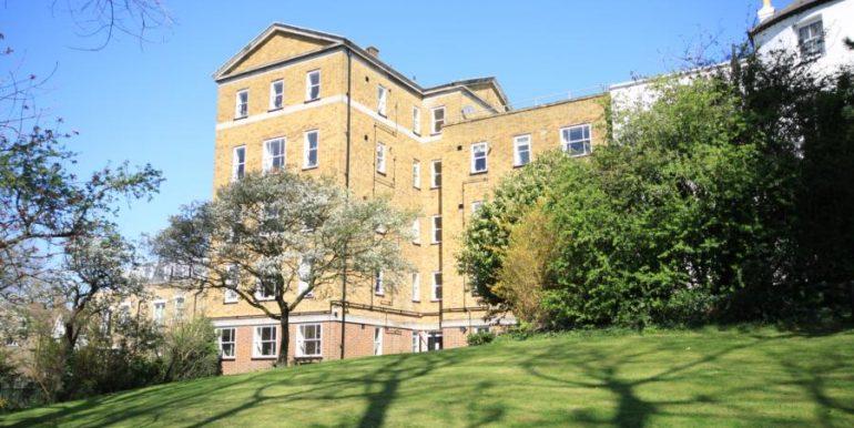 18 Heathfield House, SE3 020 (900x600)