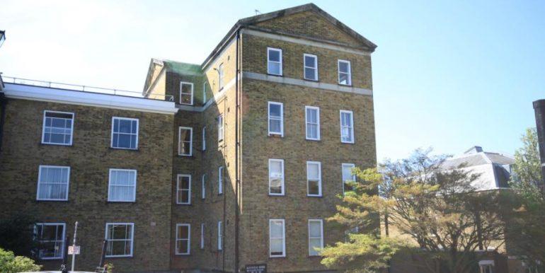 18 Heathfield House, SE3 021 (900x600)