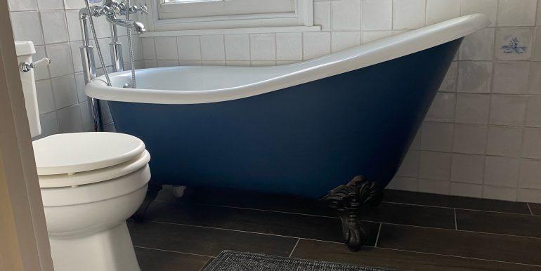 5 Blackheath Vale bath room